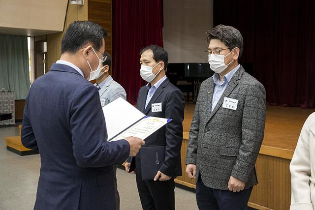5.통영시 안전총괄과 김영한 팀장, 재난유공 대통령표창 수상1.jpg