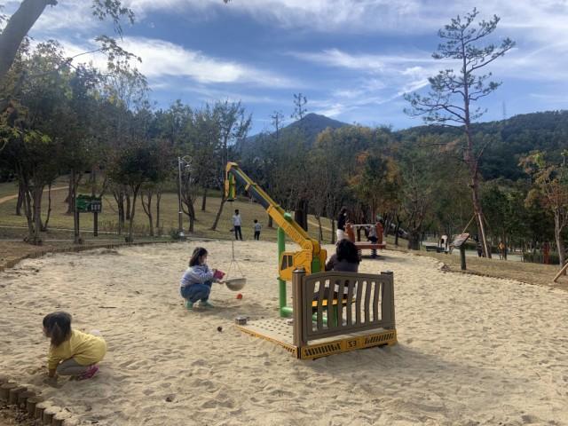 8.안정공원, 행정안전부 주관 우수 어린이놀이시설 선정-안정공원2.JPG