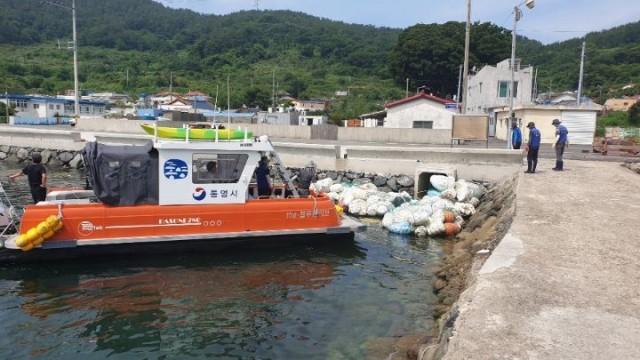 7.2 - 통영시, 도서지역 해양쓰레기 수거 활동 4.jpg