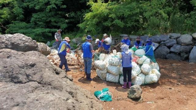 7.2 - 통영시, 도서지역 해양쓰레기 수거 활동 3.jpg